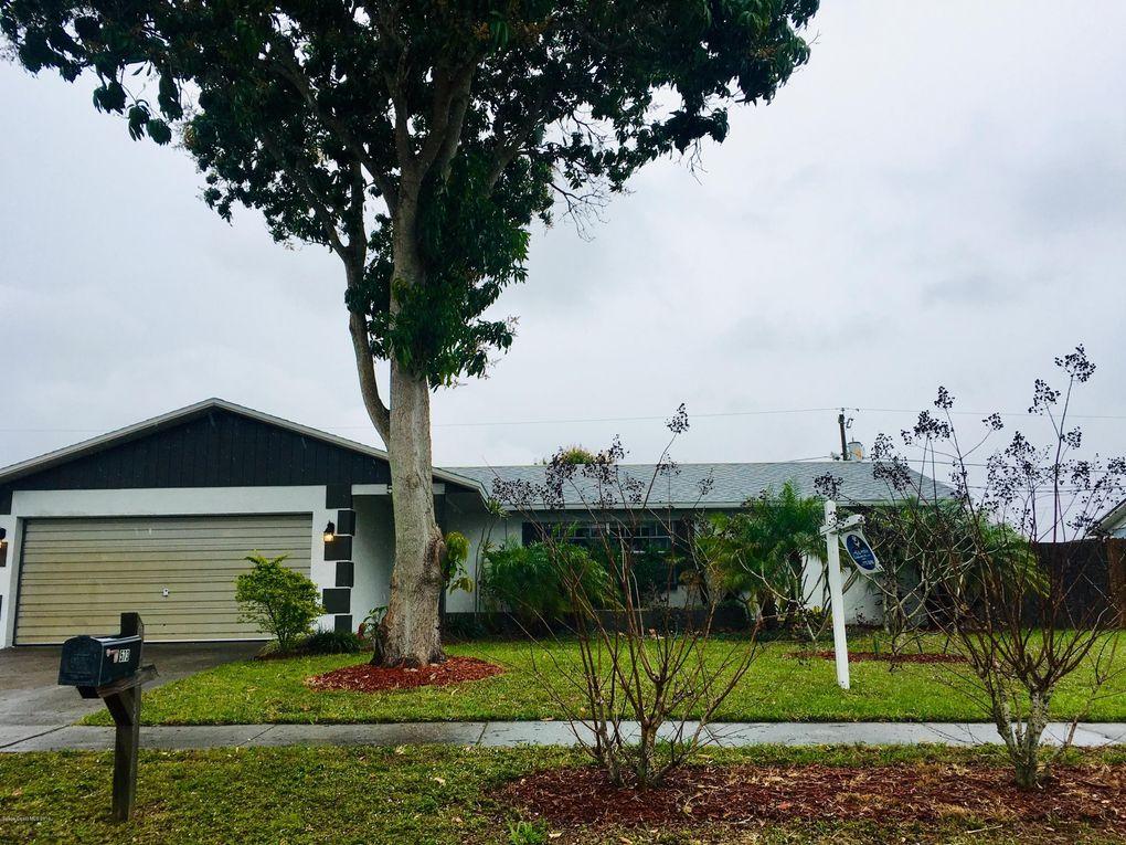 573 Walnut Dr Melbourne, FL 32935