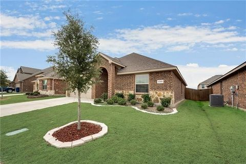Photo of 1425 Arabella Ave, Forney, TX 75126