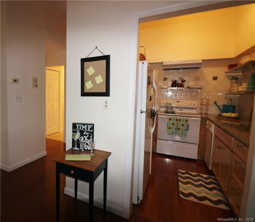 Main Street Apartments: 234 S Main St Apt 415, Middletown, CT 06457