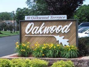 10 Oakwood Ter Apt 105, New Windsor, NY 12553
