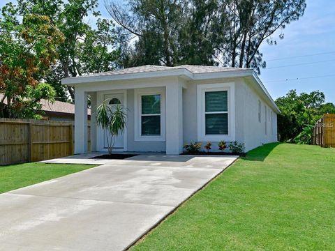 Photo of 1610 1st Ave E, Palmetto, FL 34221