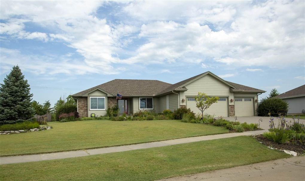 4106 Taneil Dr Manhattan Ks 66502 Realtor Com
