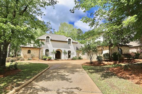 Photo of 509 Silverstone Dr, Madison, MS 39110