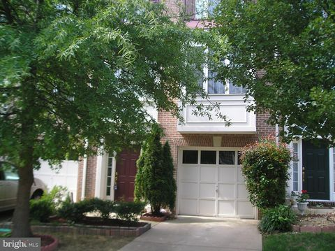 Photo of 3454 Diehl Ct, Falls Church, VA 22041