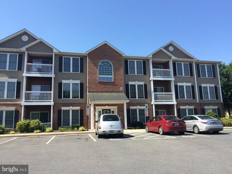 Photo of 302 Baughmans Ln Apt L, Frederick, MD 21702