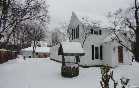 208 N Milford Rd, Highland Township, MI 48357
