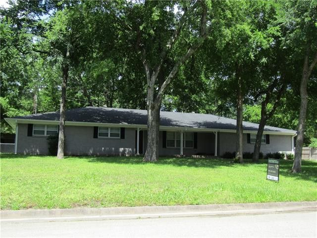 607 Tracy St, Greenville, TX 75402