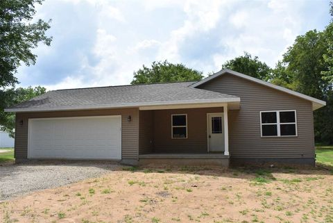 Photo of 629 S Thomas St, Westfield, WI 53964