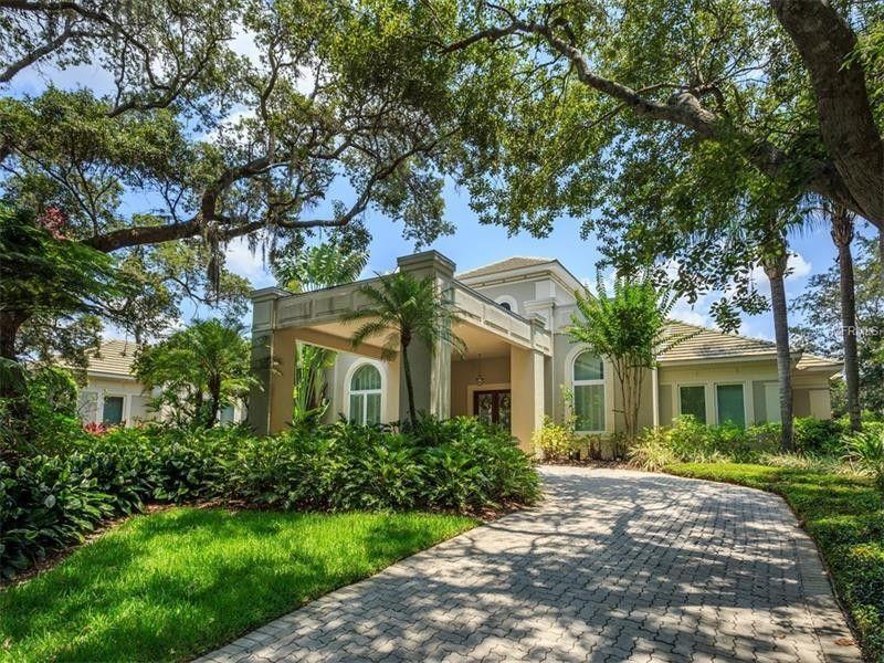 9075 Point Cypress Dr, Orlando, FL 32836