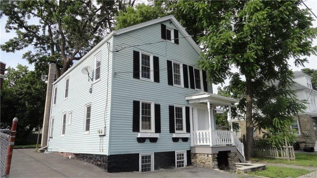 78 Maple St, Walden, NY 12586