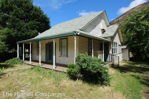 Photo of 14165 Main St, French Gulch, CA 96033
