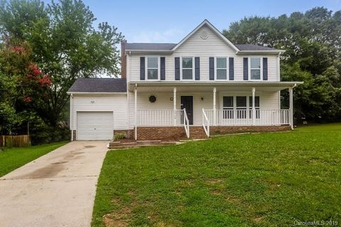 Photo of 10709 Derry Dr, Charlotte, NC 28262