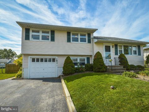 Photo of 3550 Swiftwater Ln, Brookhaven, PA 19015