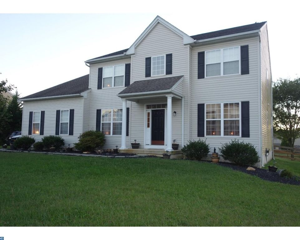 9 Mystery Rose Ln West Grove, PA 19390