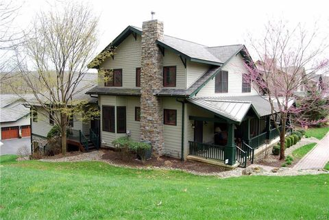 Photo of 3490 Creekside Ct, Lower Saucon Township, PA 18055