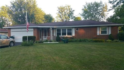 1711 W Quilling Dr, Muncie, IN 47304