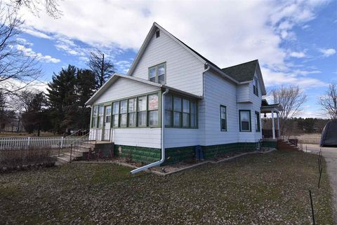 Photo of 602 W Main St, Wautoma, WI 54982