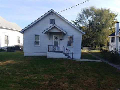 Photo of 408 N 4th St, Elsberry, MO 63343