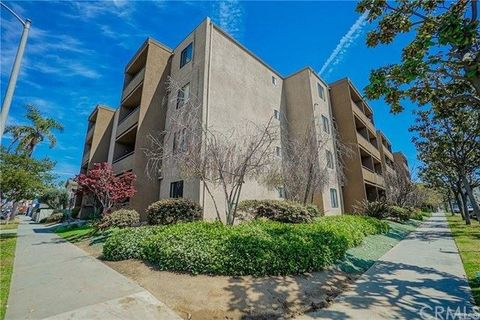 Remarkable 1450 Locust Ave Apt 301 Long Beach Ca 90813 Home Interior And Landscaping Ferensignezvosmurscom