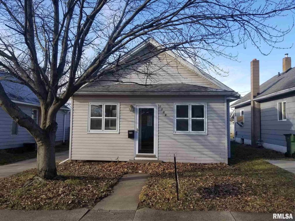 1306 S 9th St Clinton Ia 52732 Realtor Com