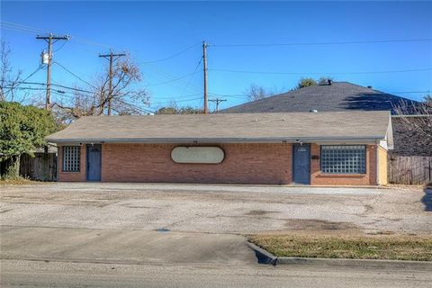 Photo of 104 Town North Dr, Terrell, TX 75160