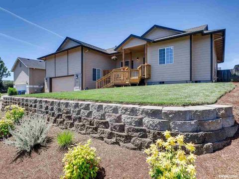 967 Whitetail Deer St NW, Salem, OR 97304