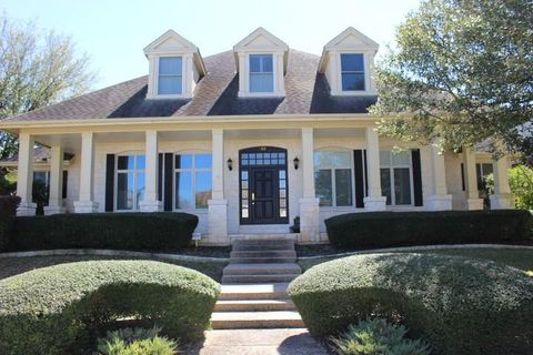 Photo of 9001 Thickwoods Cv, Austin, TX 78735