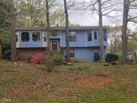 728 Pepperwood Trl, Stone Mountain, GA 30087
