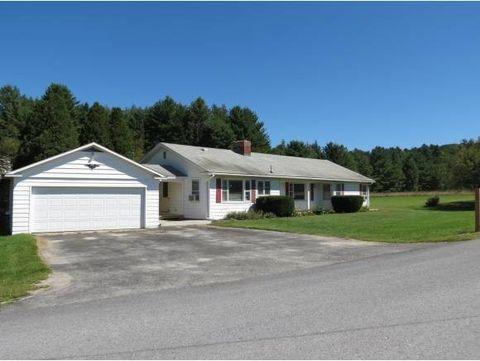 105 Schoolhouse Rd, Pownal, VT 05261