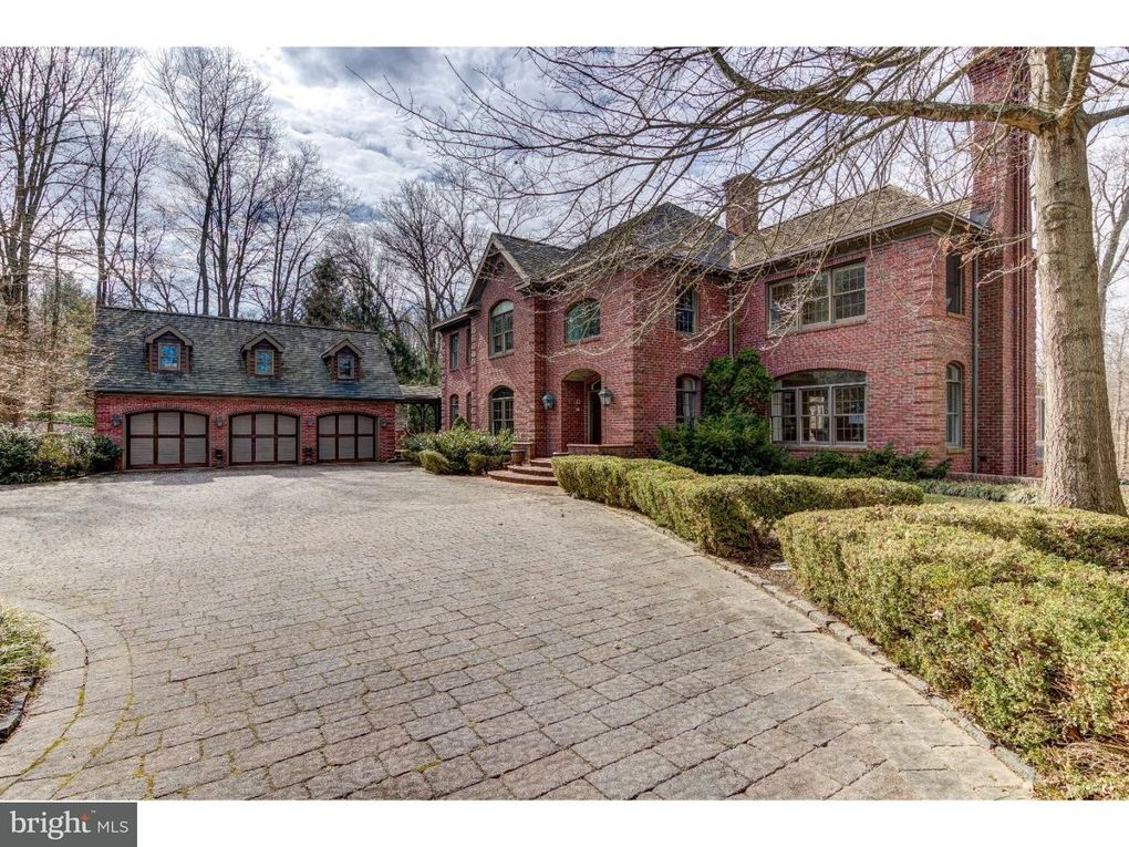 15 Old Covered Bridge Rd Newtown Square PA 19073