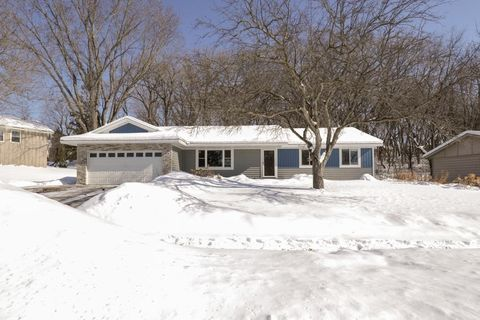Photo of 13734 Fordham Ave, Apple Valley, MN 55124
