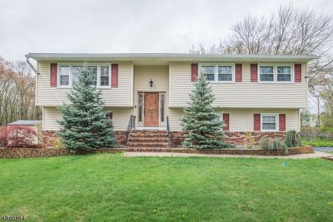 Photo of 2 Larkspur Dr, Parsippany Troy Hills Township, NJ 07054