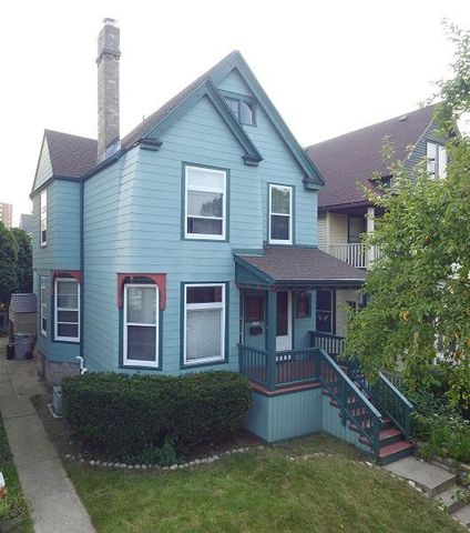 Photo of 1541 E Irving Pl, Milwaukee, WI 53202