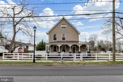 Photo of 4601 Queensbury Rd, Riverdale, MD 20737