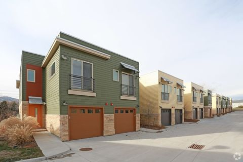 Photo of 3701 Paseo Del Prado Unit 6, Boulder, CO 80301