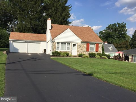 Brilliant Newtown Square Pa Real Estate Newtown Square Homes For Home Interior And Landscaping Pimpapssignezvosmurscom
