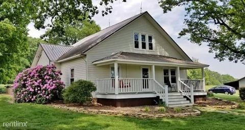 Photo of 1366 Midway Rd, Stony Point, NC 28678