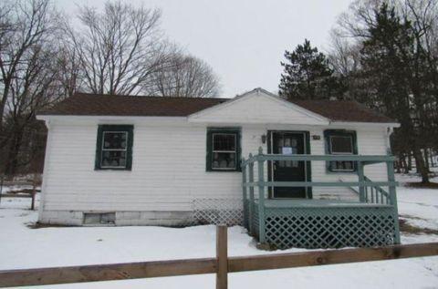 Photo of 94 Powder Mill Rd, Valley Falls, NY 12185