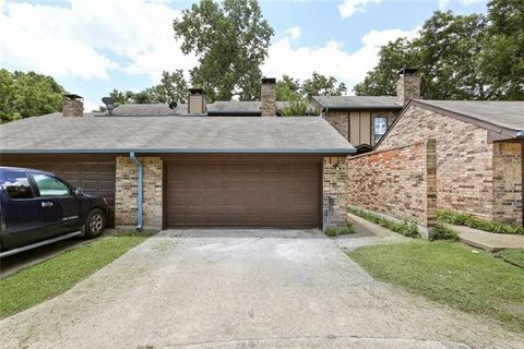 Photo of 2132 Woodnote Ln, Garland, TX 75040