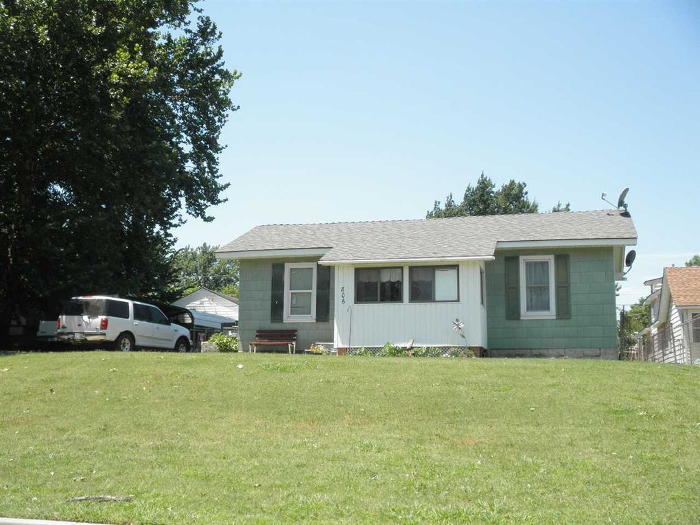 806 N Ash St Ponca City, OK 74601