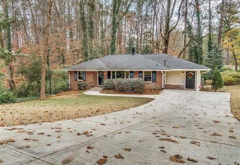 Photo of 1850 Fern Creek Ln Ne, Atlanta, GA 30329