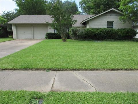 Photo of 1819 Exeter St, Irving, TX 75062