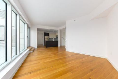 31-43 Vernon Blvd Unit 812, Long Island City, NY 11106