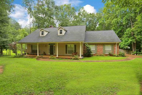 127 Pinedale Rd, Terry, MS 39170