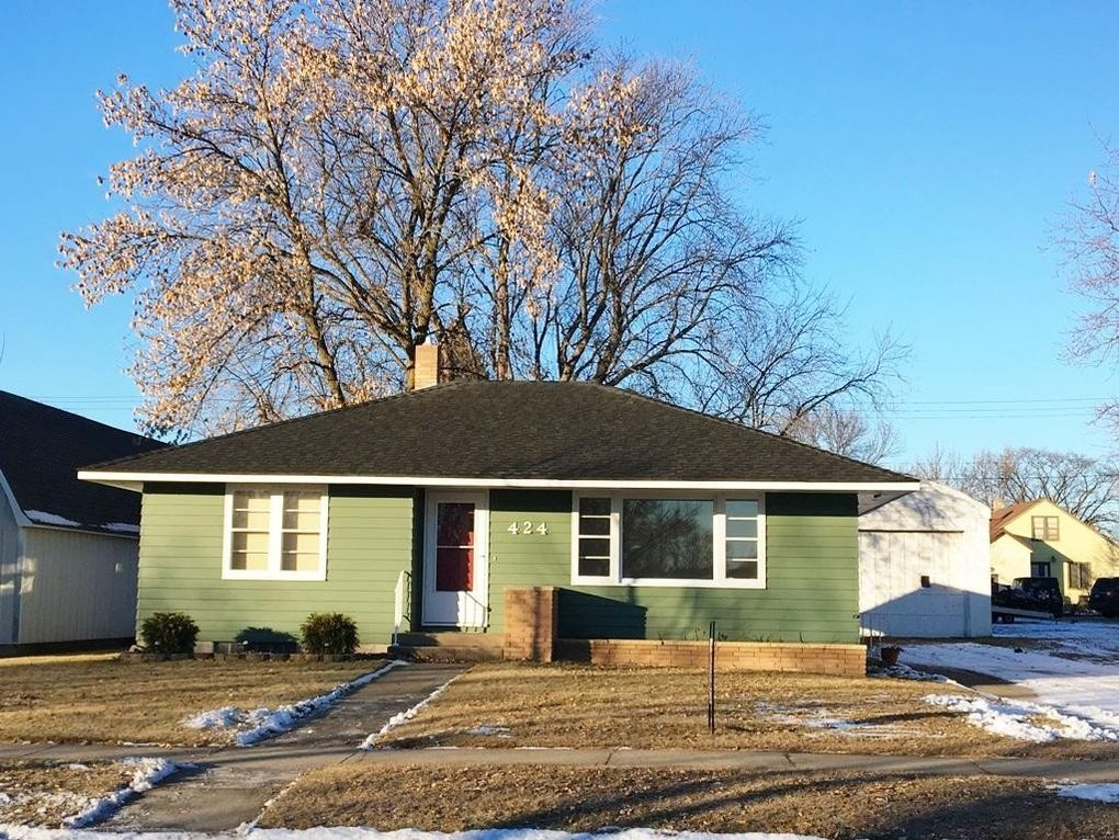 424 East St, Sauk Centre, MN 56378