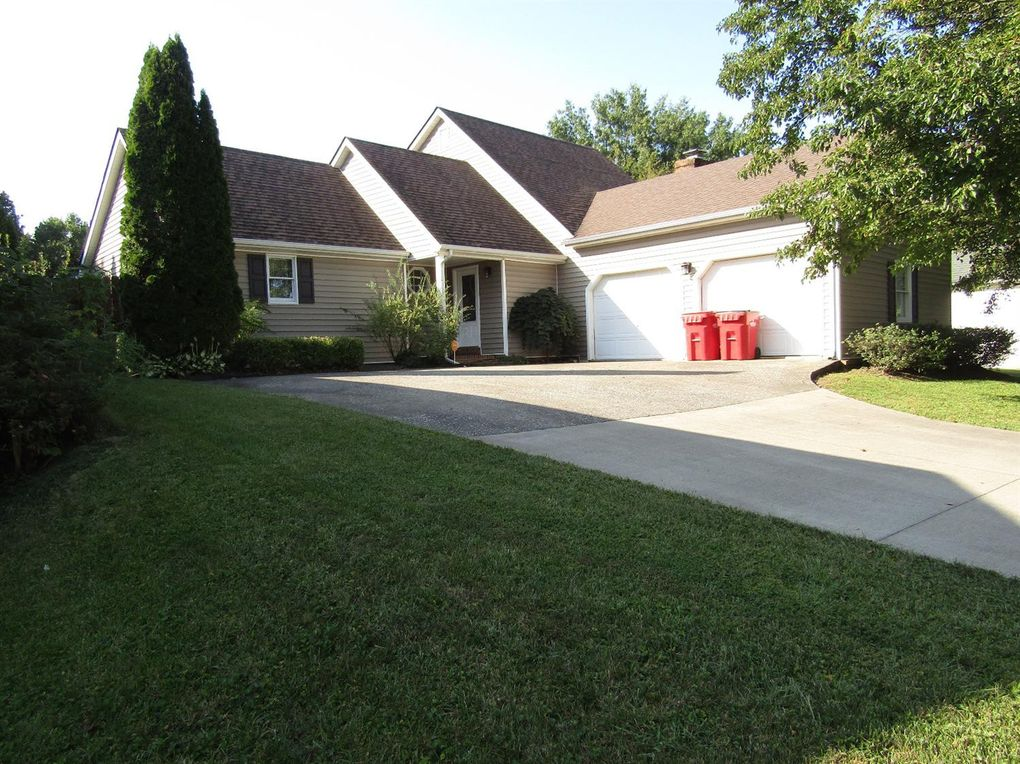 1017 Silver Creek Dr Frankfort, KY 40601