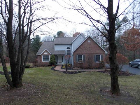 Photo of 8 Dutch Hill Ter, Voorheesville, NY 12186