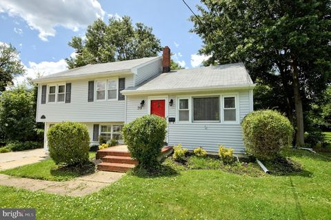 Photo of 39 Tinker Dr, Mount Holly, NJ 08060