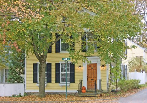 Photo of 19 Lake St, Cooperstown, NY 13326