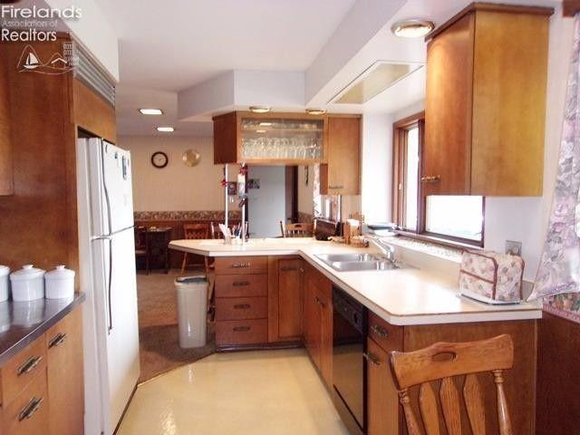 Country Kitchen Restaurant Willard Ohio - Kitchen Cabinets